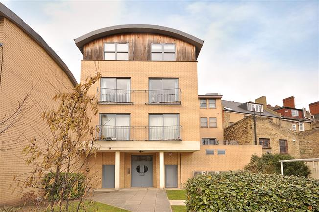 £1,700 per Calendar Month, 2 Bedroom Apartment To Rent in London, SW12