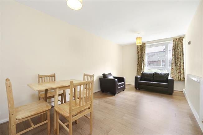 £1,275 per Calendar Month, 1 Bedroom Flat To Rent in London, SW12