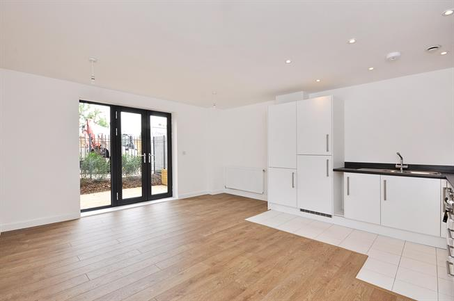 £1,400 per Calendar Month, 1 Bedroom Apartment To Rent in London, SW17