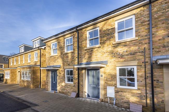£1,995 per Calendar Month, 2 Bedroom Terraced House To Rent in Twickenham, TW1