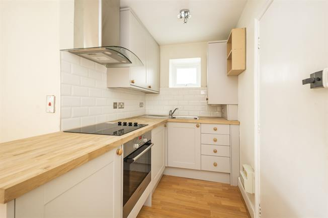 £1,275 per Calendar Month, 1 Bedroom Apartment To Rent in Teddington, TW11