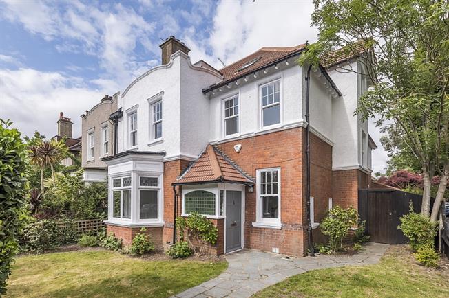 £5,250 per Calendar Month, 6 Bedroom House To Rent in Teddington, TW11