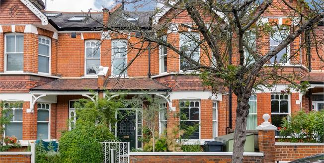 £3,500 per Calendar Month, 4 Bedroom House To Rent in London, SW14