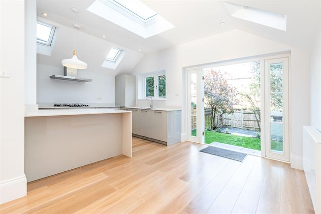 £4,250 per Calendar Month, 4 Bedroom House To Rent in London, SW14