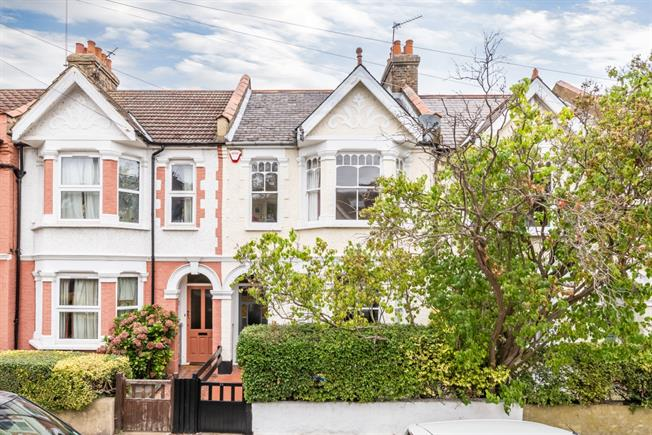 £2,750 per Calendar Month, 3 Bedroom Terraced House To Rent in London, SW14