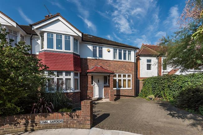 £4,250 per Calendar Month, 5 Bedroom Semi Detached House To Rent in London, SW14