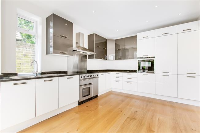 £5,500 per Calendar Month, 5 Bedroom Semi Detached House To Rent in London, SW14