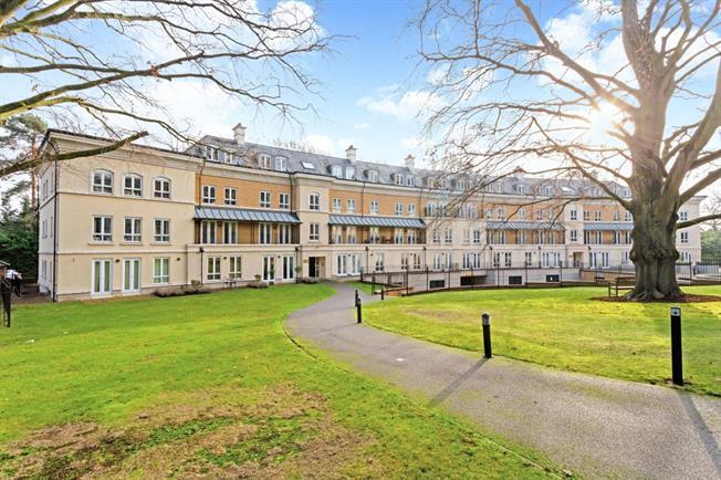 £1,250 per Calendar Month, 2 Bedroom Apartment To Rent in Woking, GU22