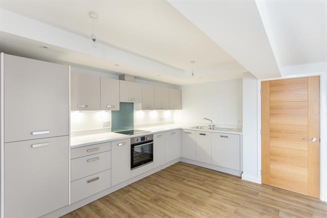 £1,500 per Calendar Month, 2 Bedroom Apartment To Rent in Shepperton, TW17
