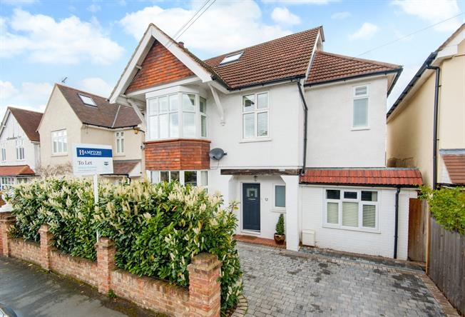 £3,500 per Calendar Month, 4 Bedroom Detached House To Rent in Weybridge, KT13