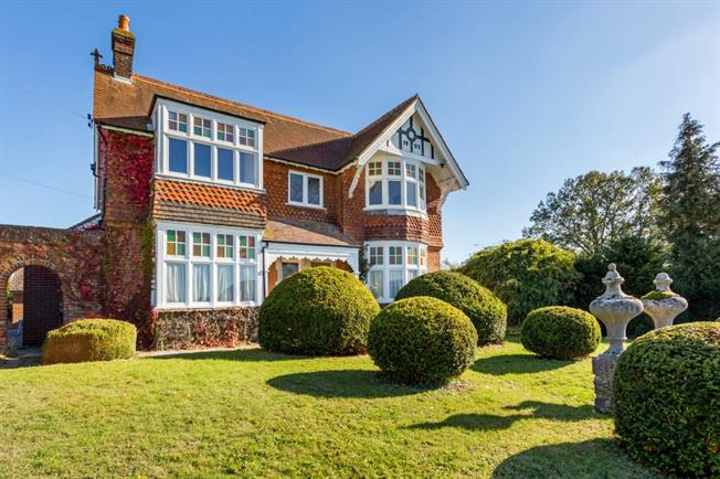 £2,995 per Calendar Month, 4 Bedroom Detached House To Rent in Shipbourne, TN11