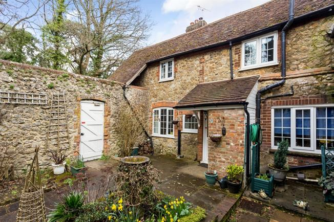 £1,795 per Calendar Month, 4 Bedroom Cottage House To Rent in West Malling, ME19