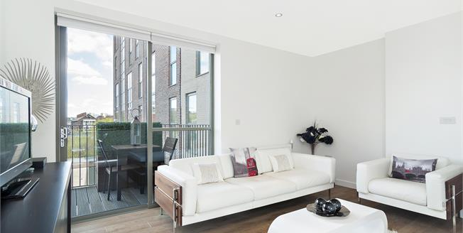 £2,500 per Calendar Month, 2 Bedroom Apartment To Rent in London, E1