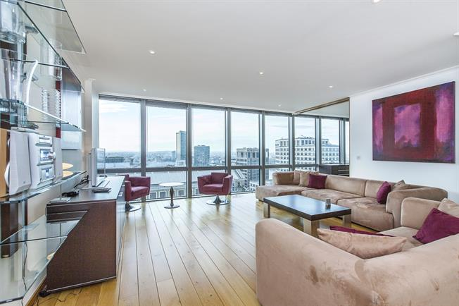 £3,492  per Calendar Month (Calculated), 2 Bedroom Apartment To Rent in London, E14