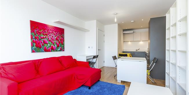 £1,733  per Calendar Month (Calculated), Flat To Rent in London, E1