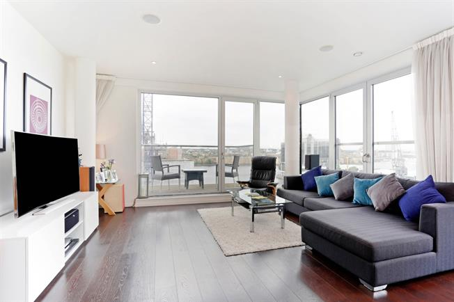 £2,708  per Calendar Month (Calculated), 2 Bedroom Apartment To Rent in London, E14