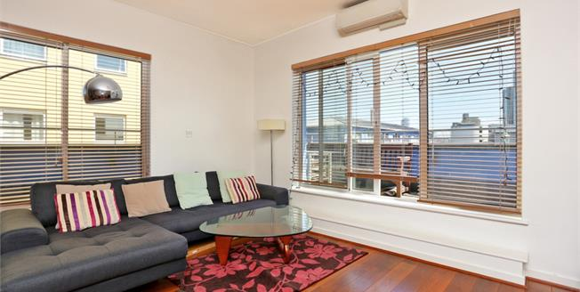 £1,711  per Calendar Month (Calculated), 2 Bedroom Apartment To Rent in London, E14