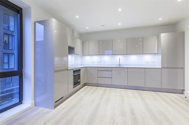 £1,668  per Calendar Month (Calculated), 2 Bedroom Apartment To Rent in London, E14