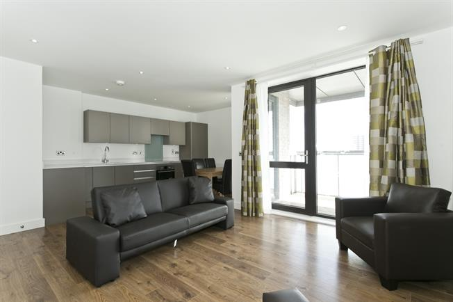 £1,646  per Calendar Month (Calculated), 2 Bedroom Apartment To Rent in London, E14