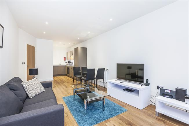 £1,450 per Calendar Month, 1 Bedroom Apartment To Rent in London, E14