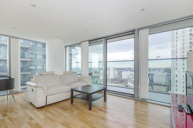 £2,426  per Calendar Month (Calculated), 2 Bedroom Flat To Rent in London, E14