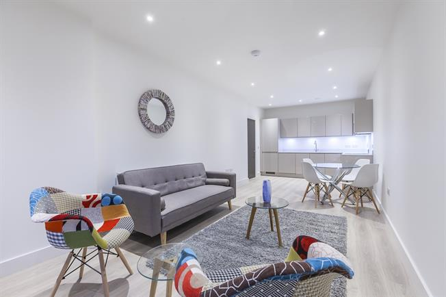 £1,776  per Calendar Month (Calculated), 2 Bedroom Apartment To Rent in London, E14