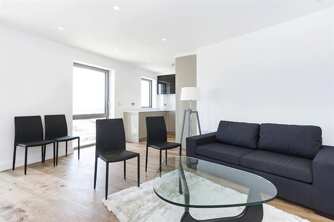 £1,350 per Calendar Month, 1 Bedroom Apartment To Rent in London, E16