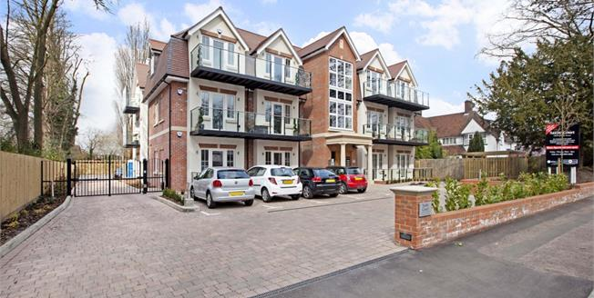 £1,900 per Calendar Month, 2 Bedroom Apartment To Rent in Bushey, WD23