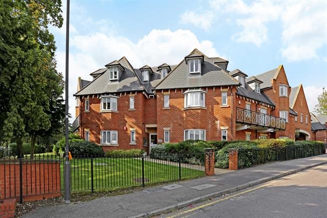 £1,500 per Calendar Month, 2 Bedroom Apartment To Rent in Stanmore, HA7