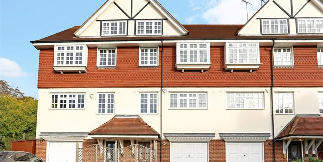 £2,700 per Calendar Month, 4 Bedroom Town House To Rent in Harrow, HA1