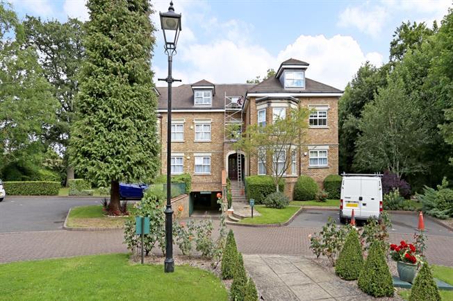 £1,500 per Calendar Month, 2 Bedroom Apartment To Rent in Bushey Heath, WD23