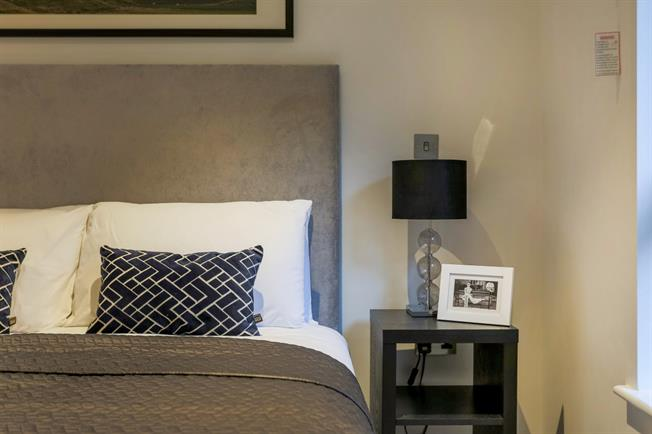 £1,300 per Calendar Month, 1 Bedroom Apartment To Rent in Harrow, HA1