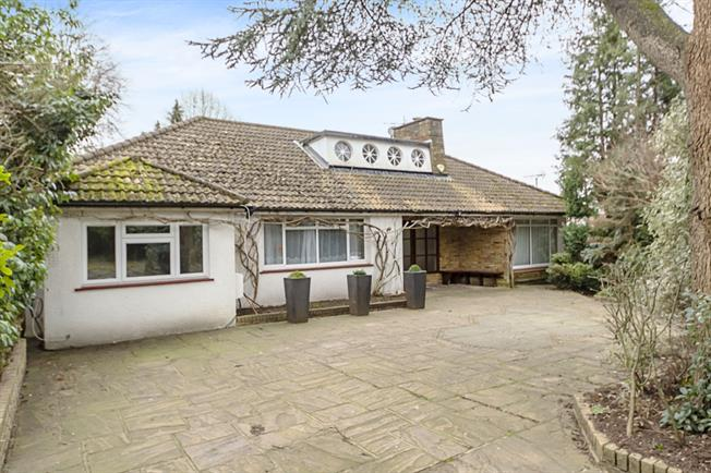 £5,200  per Calendar Month (Calculated), 4 Bedroom Bungalow To Rent in Stanmore, HA7