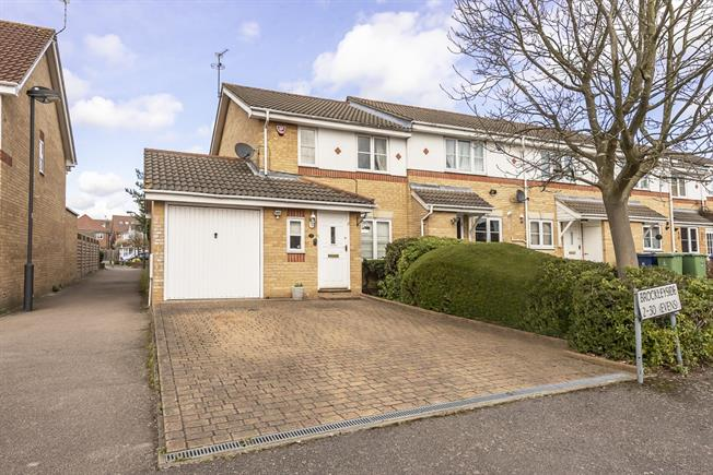 £1,650 per Calendar Month, 3 Bedroom Semi Detached House To Rent in Stanmore, HA7