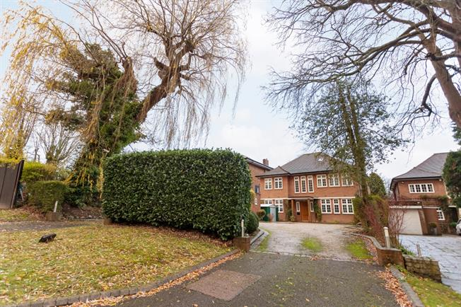 £4,500 per Calendar Month, 5 Bedroom Detached House To Rent in Stanmore, HA7