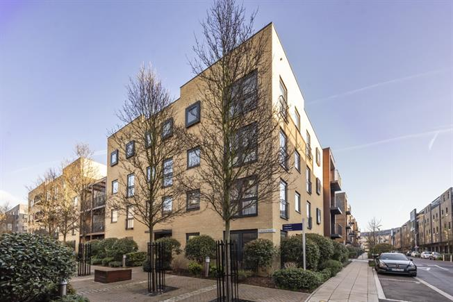 £2,721  per Calendar Month (Calculated), 2 Bedroom Flat To Rent in Stanmore, HA7