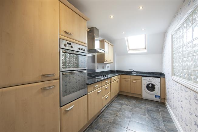 £2,600  per Calendar Month (Calculated), 2 Bedroom Flat To Rent in Edgware, HA8