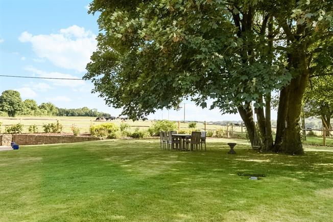 £3,250 per Calendar Month, 5 Bedroom Detached House To Rent in Madehurst, BN18