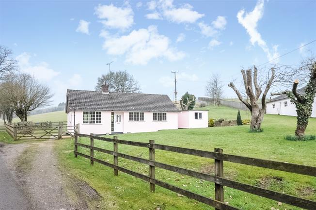 £950 per Calendar Month, 3 Bedroom Bungalow To Rent in Sixpenny Handley, SP5