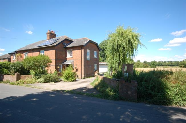 £1,150 per Calendar Month, 3 Bedroom Semi Detached House To Rent in Odstock, SP5