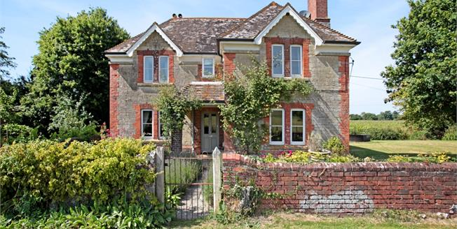 £1,950 per Calendar Month, 3 Bedroom Detached House To Rent in Fontmell Parva, DT11