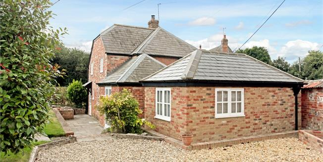 £995 per Calendar Month, 2 Bedroom Semi Detached House To Rent in Haxton, SP4