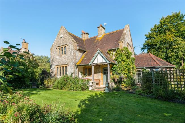£1,750 per Calendar Month, 3 Bedroom Cottage House To Rent in Gillingham, SP8