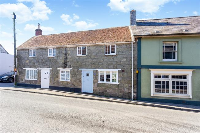 £900 per Calendar Month, 3 Bedroom Terraced House To Rent in Shaftesbury, SP7
