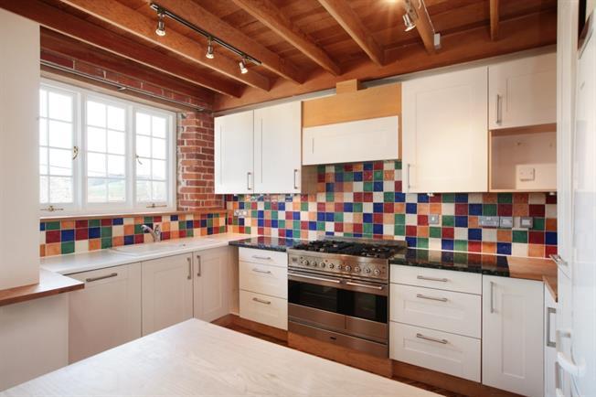 £875 per Calendar Month, 3 Bedroom Apartment To Rent in Codford, BA12