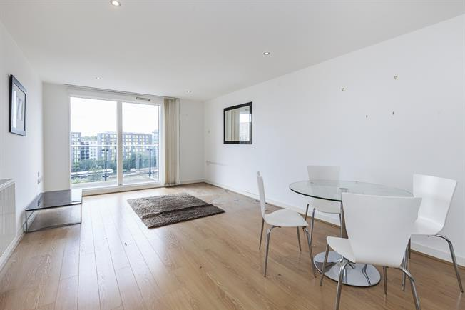 £1,525 per Calendar Month, 2 Bedroom Apartment To Rent in London, SE13
