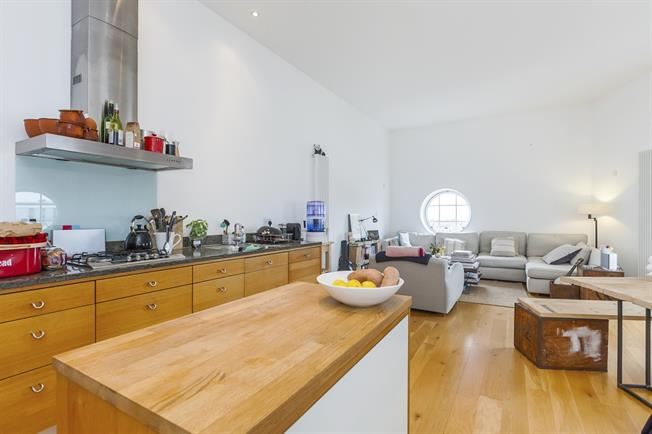 £1,975 per Calendar Month, 2 Bedroom Apartment To Rent in London, SE10