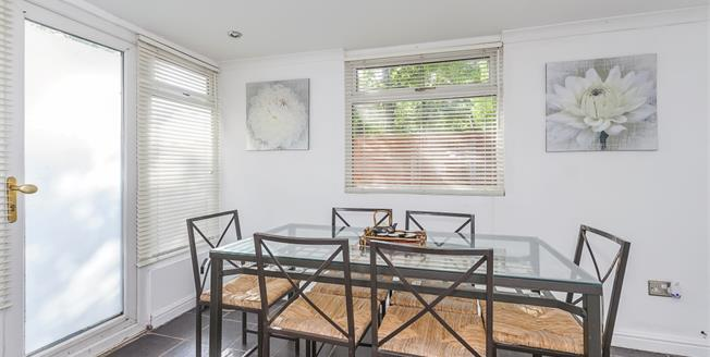 £1,250 per Calendar Month, 1 Bedroom Bungalow To Rent in London, SE3