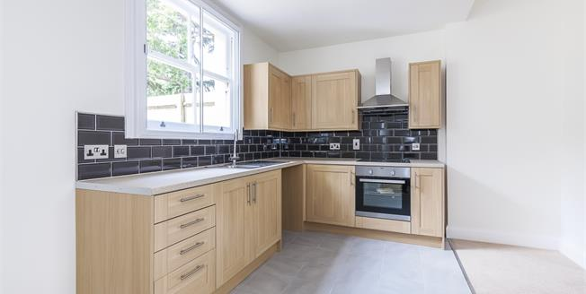 £1,400 per Calendar Month, 1 Bedroom Flat To Rent in London, SE3