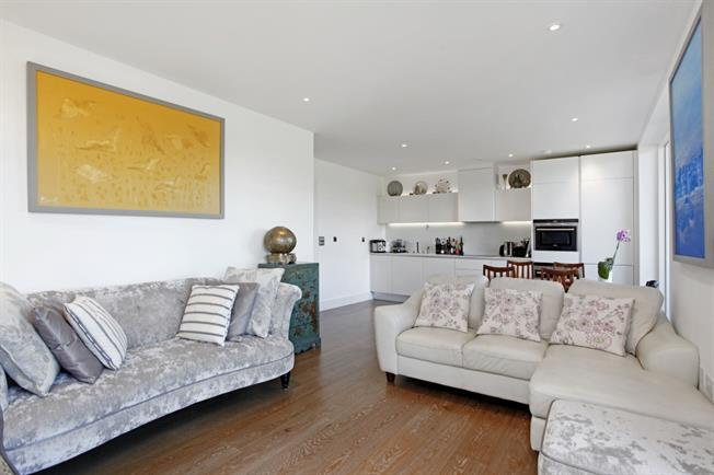 £1,999 per Calendar Month, 3 Bedroom Apartment To Rent in London, SE3